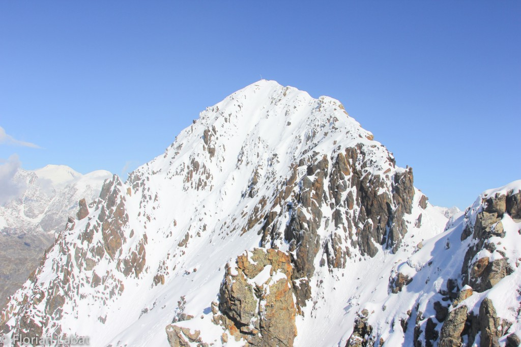 The descent from the summit of Banguriani