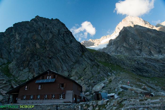 Schreckhornhütte and Schreckhorn